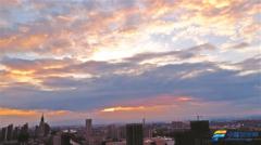 晋中市城区上空出现了壮观的晚霞美景