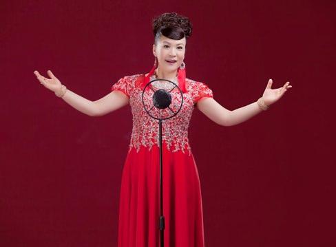 著名女高音歌唱家——侯丽娟