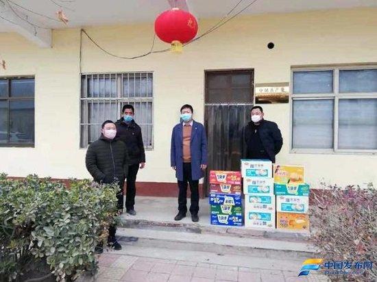 """邯郸:鸡泽浮图店志愿小分队八个""""兄弟""""一条心"""