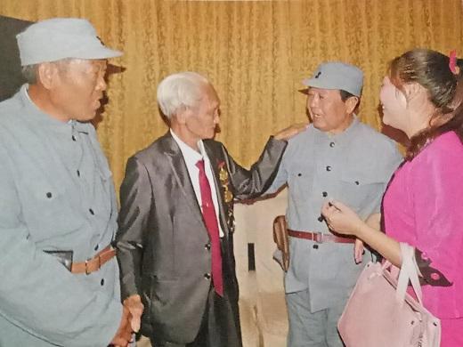 许学清:袭击日军据点 缴获一个军用公文皮包