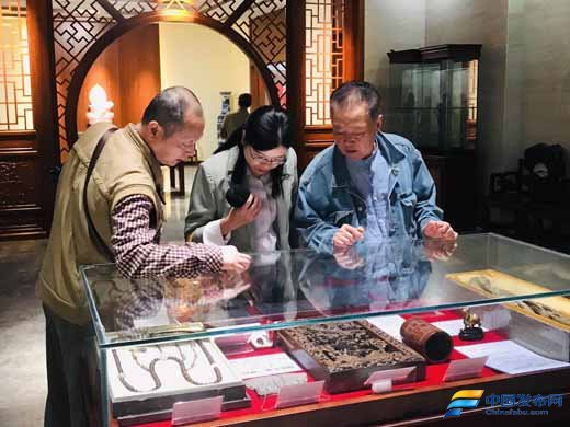 """四川省收藏家协会迎""""国庆""""暨收藏家活动中心启动仪式"""