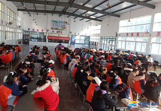 湖北荆门市沙洋县毛李中学开展女生心理健康教育讲座