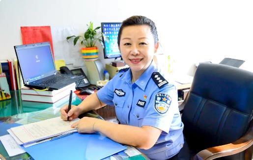 【警察故事】樊萍:服务老干部,温暖夕阳红