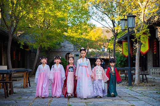 汉服体验摄影基地落户徐州潘安湖国家湿地公园