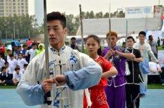 百名学生表演中华武术扬名海外 构筑文化桥梁