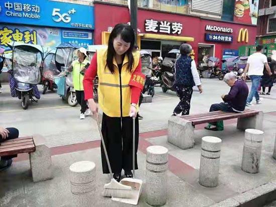 """咸宁市启动志愿者""""文明劝导""""活动"""